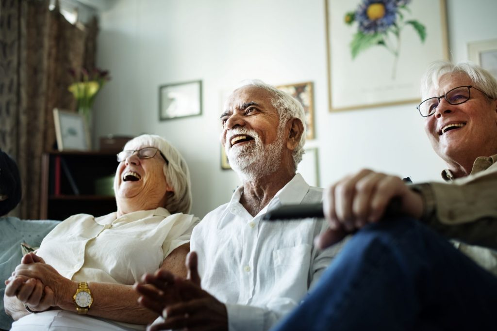 laughter-yoga-senior-benefits
